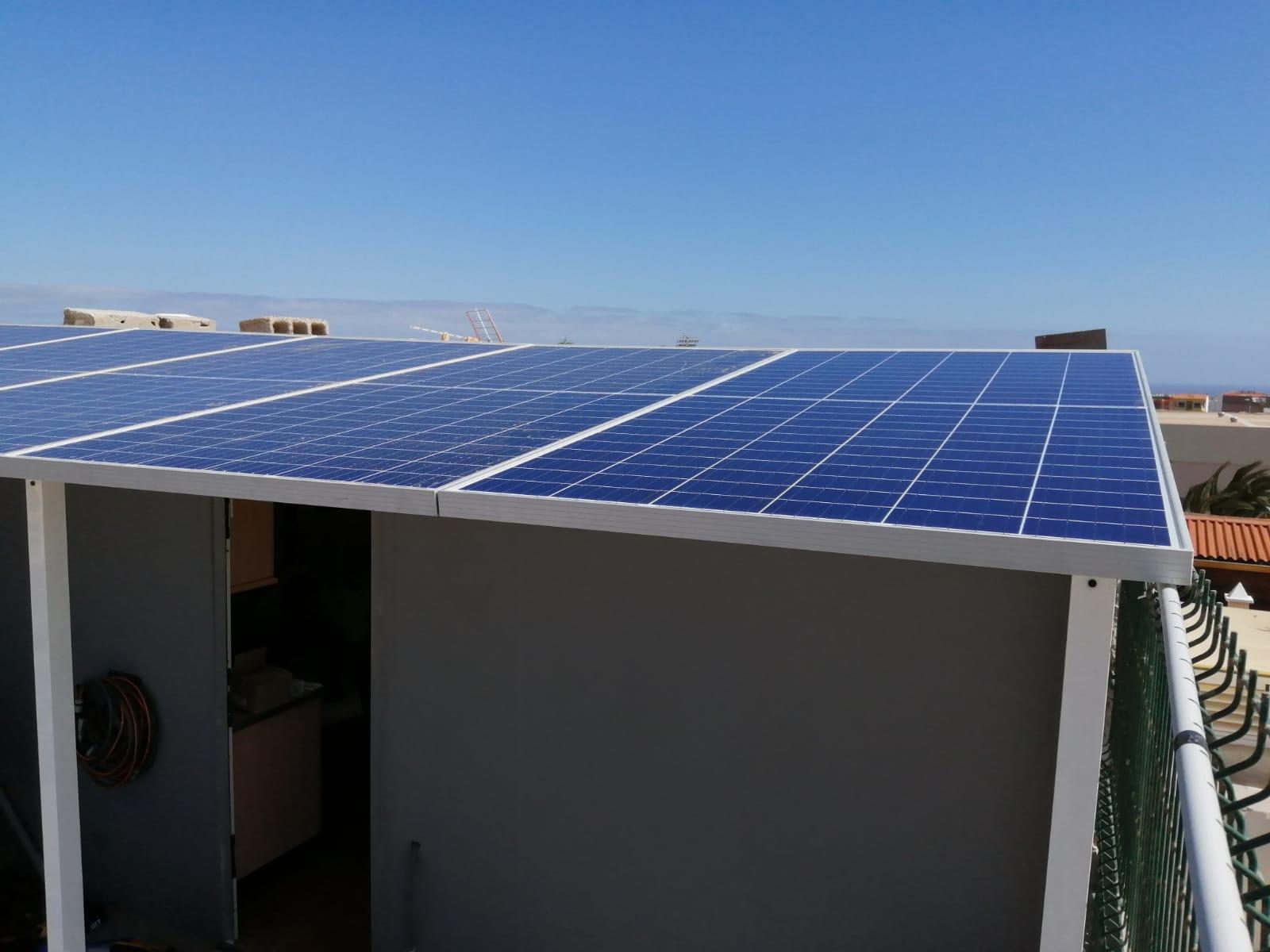 Instalación fotovoltaica - Vecindario