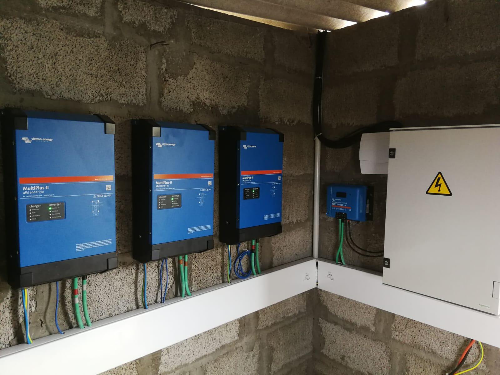 Instalación fotovoltaica 2kw para riego de finca - Arucas Cardones
