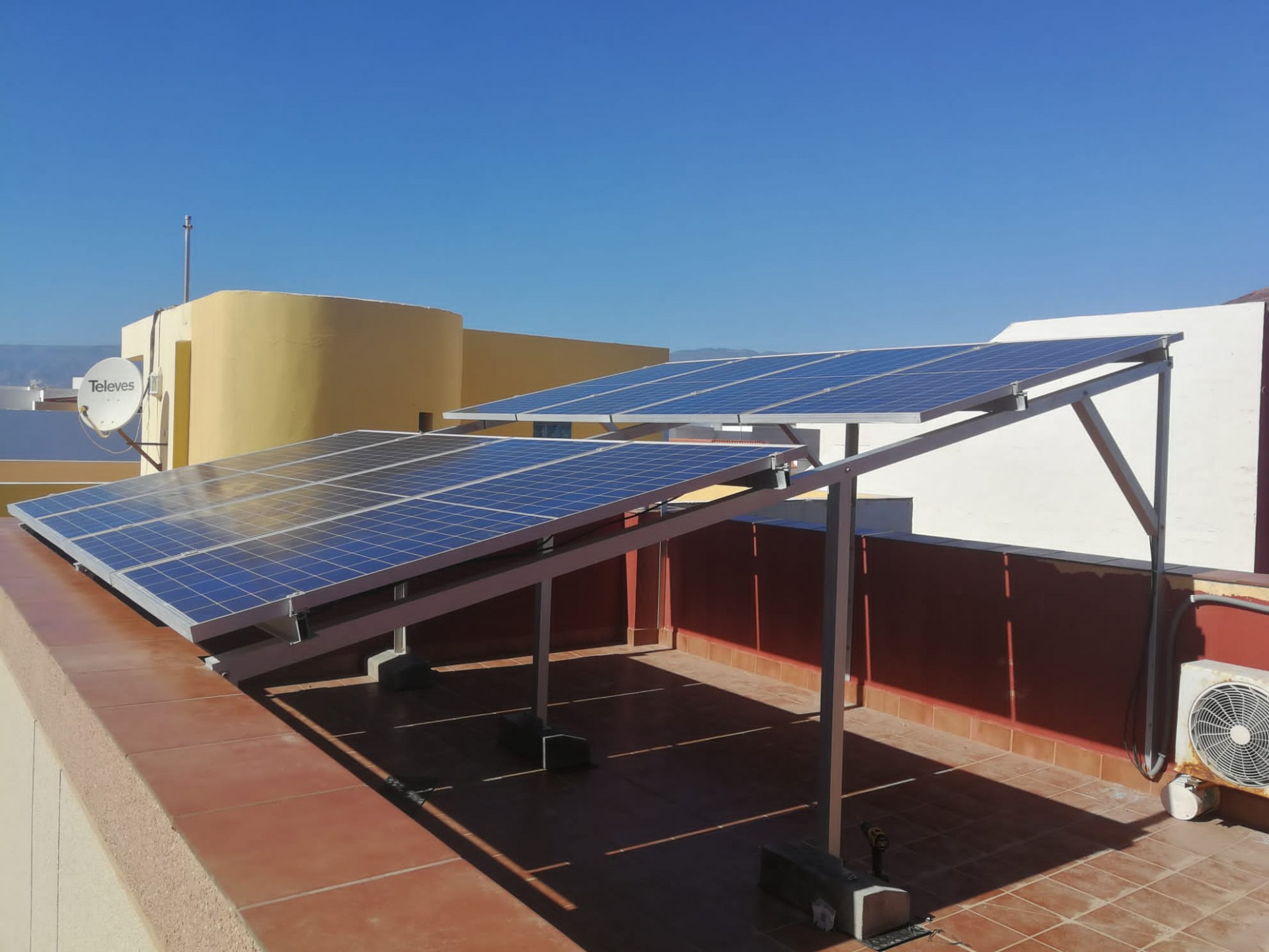 Instalación fotovoltaica ampliación - Arinaga