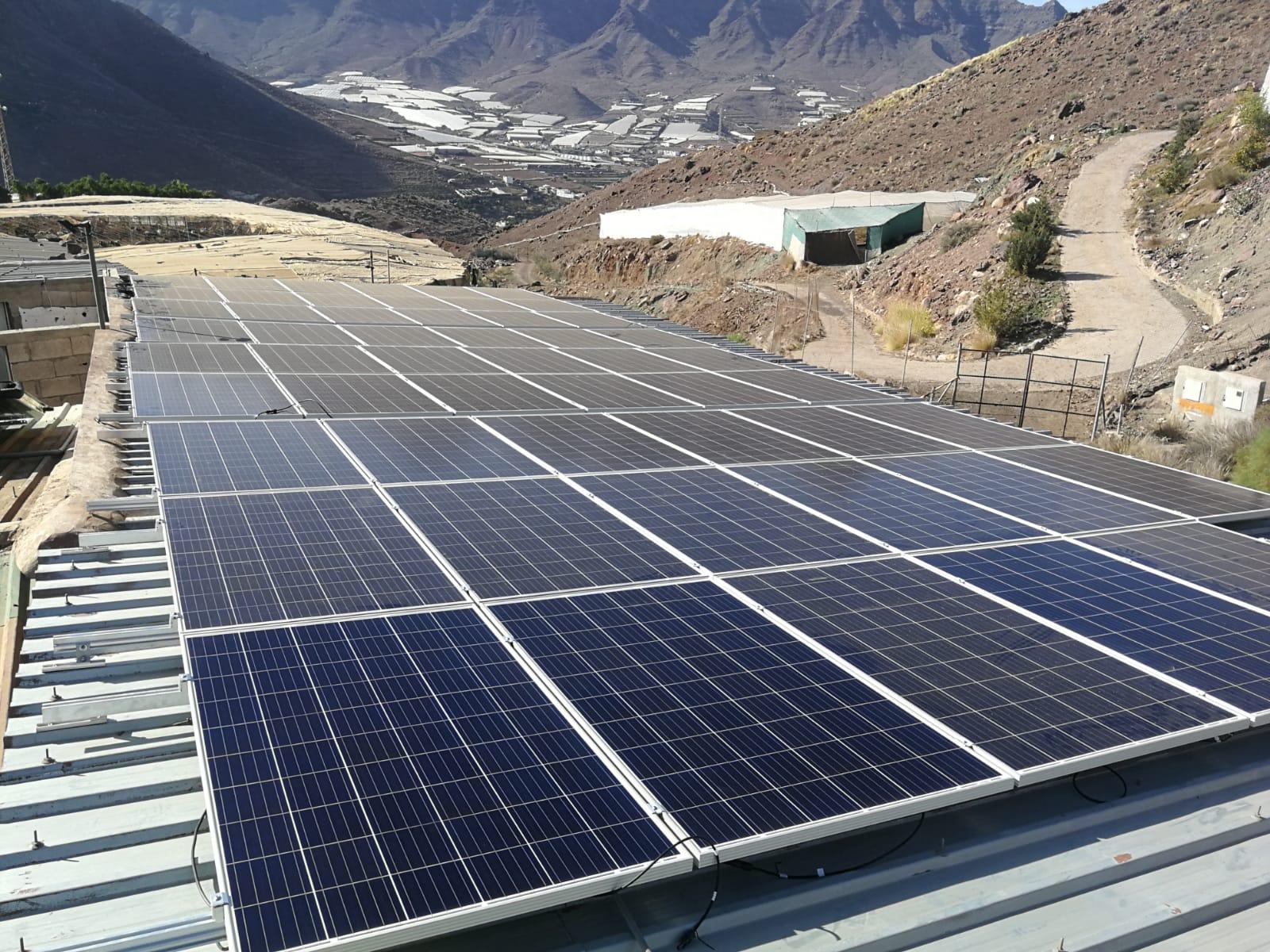 Instalación fotovoltaica menor de 15kw - La Aldea